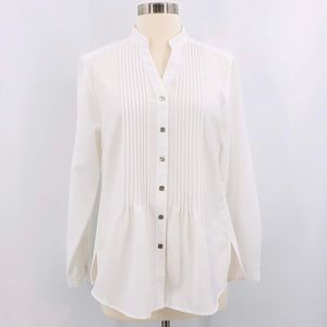 🎉Appleseed's Petites White V-Neck Button Down Top